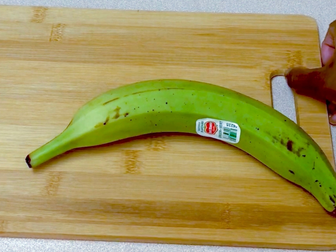 Peel bananas plantain