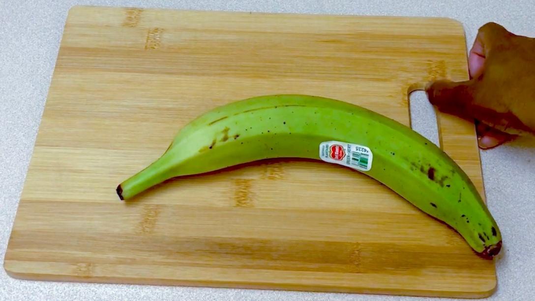 Peel bananas plantain